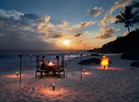 Romantic dining at Banyan Tree Seychelles