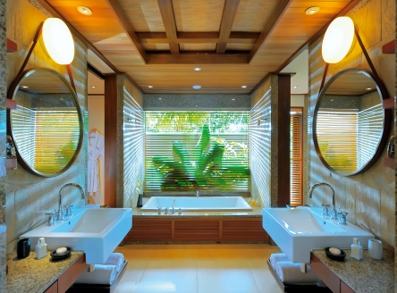 Luxury bathrooms at Ephélia Resort