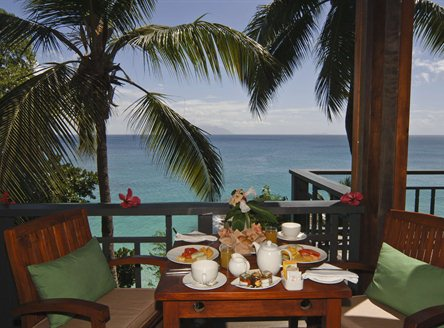 Romantic dining at Hilton Seychelles Northolme Resort & Spa