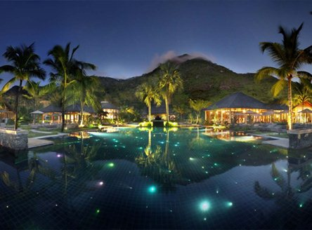 The swimming pool at Hilton Seychelles Labriz Resort & Spa
