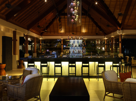 Enjoy light snacks & live entertainment at Lo Brizan restaurant, Hilton Seychelles Labriz Resort & Spa