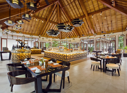 The main restaurant 'Café Dauban' at Hilton Seychelles Labriz