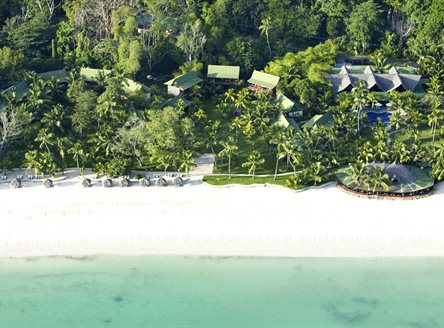 Paradise Sun Hotel is set beside the spectacular Cote d'Or beach on Praslin Island