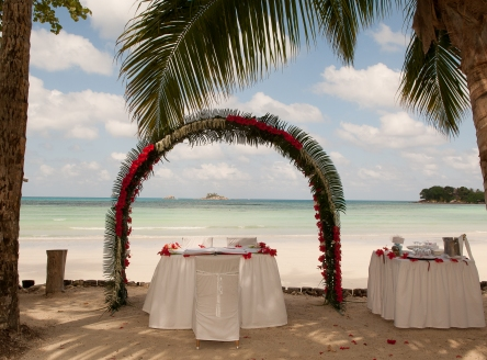 Beachside Seychelles wedding at Paradise Sun