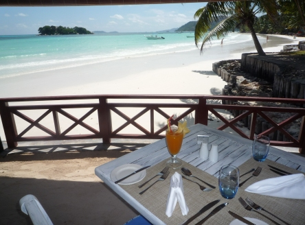 Beachside dining at Paradise Sun Hotel